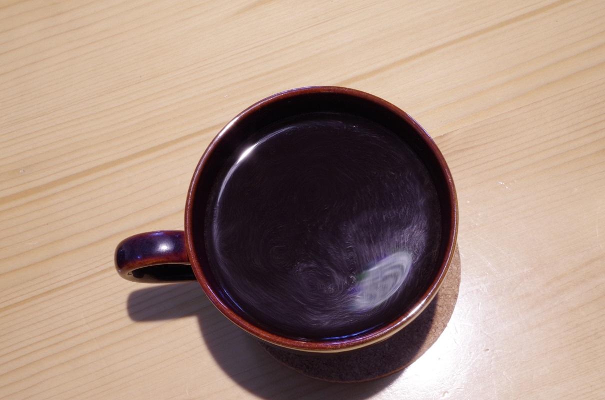 フレンチプレスで入れたコーヒー