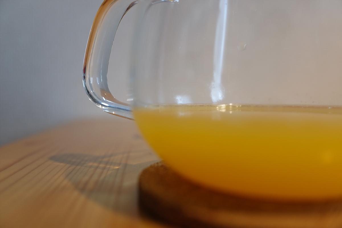 オレンジを絞った果汁