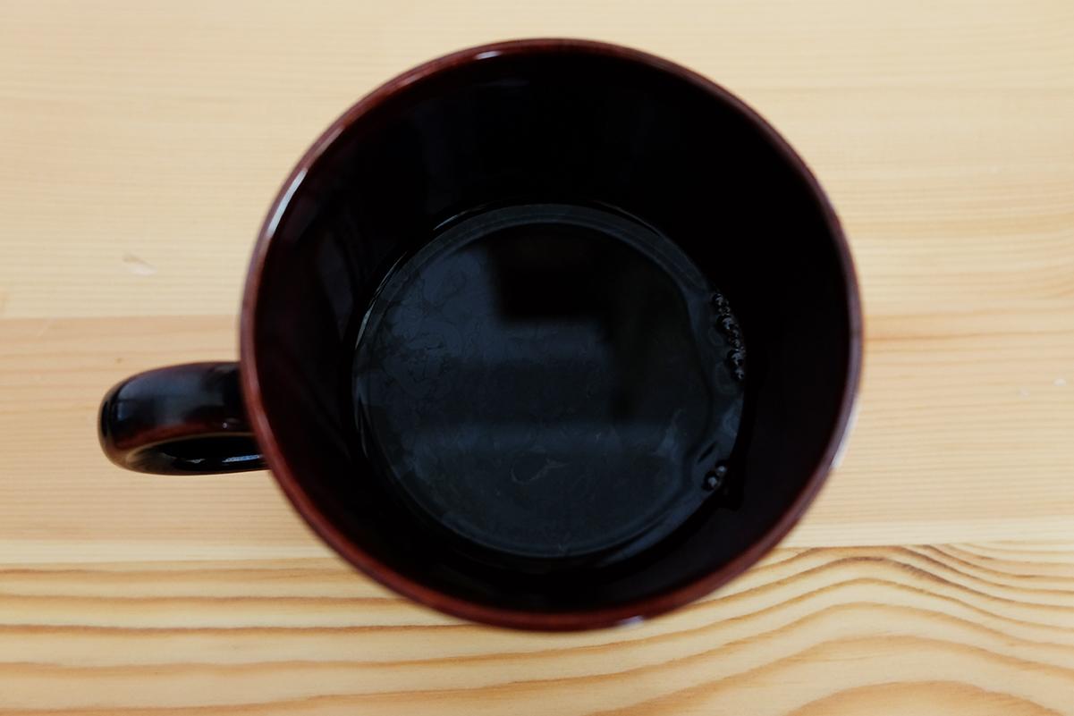室温で豆の状態で保存したコーヒー豆で抽出したコーヒー