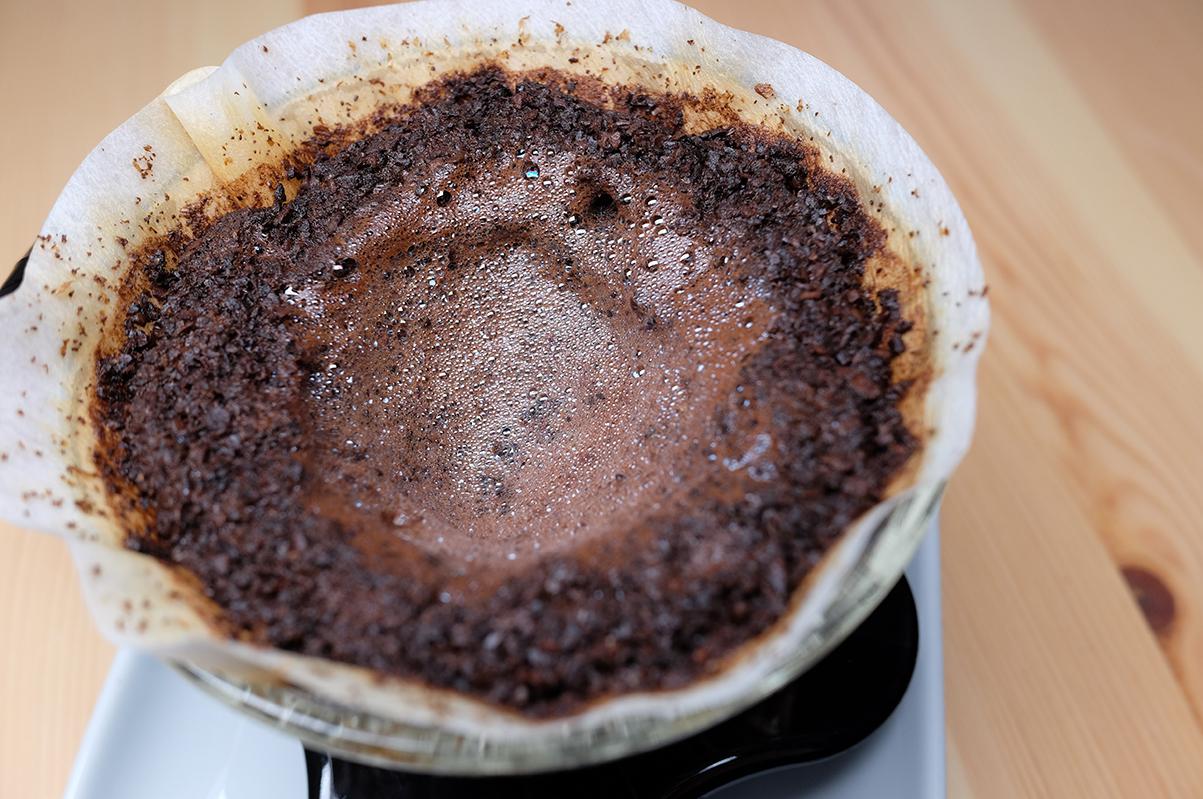 コーヒーを淹れた後のV60ドリッパー