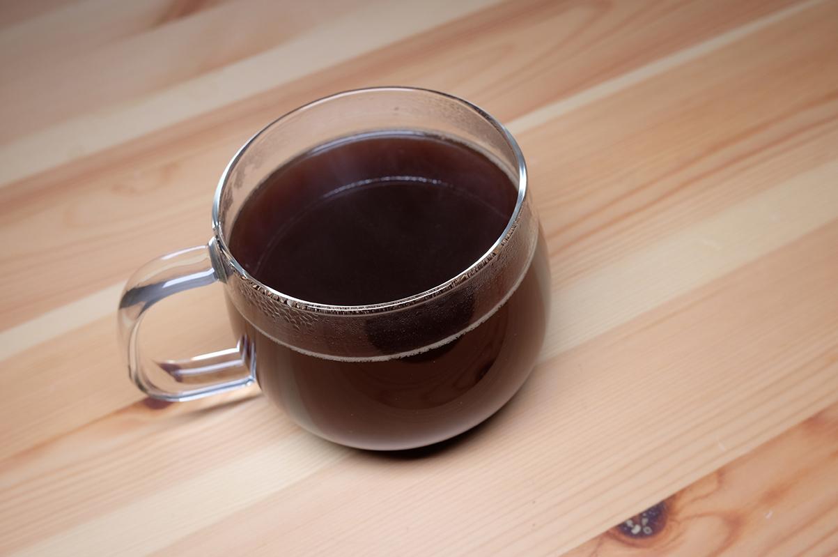 フレンチプレスで淹れたコーヒー