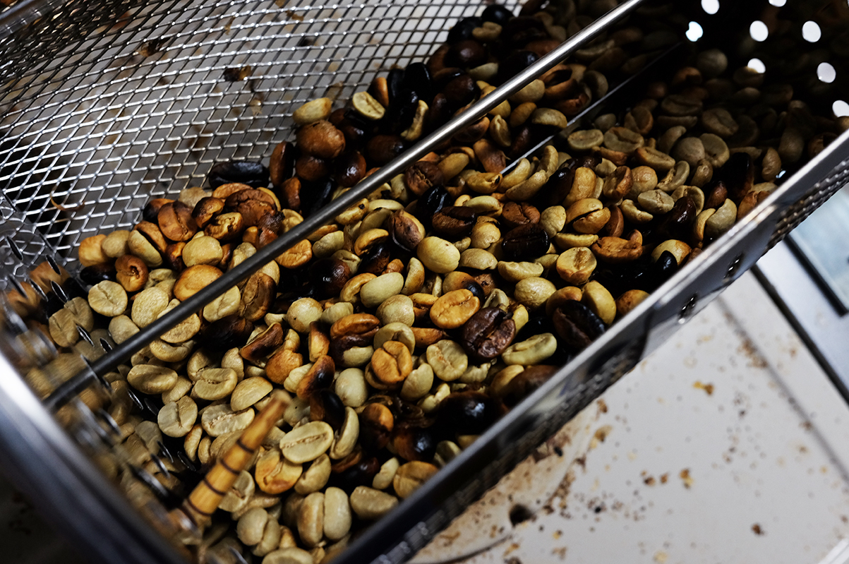 コーヒー豆焙煎機で焙煎したコーヒー豆