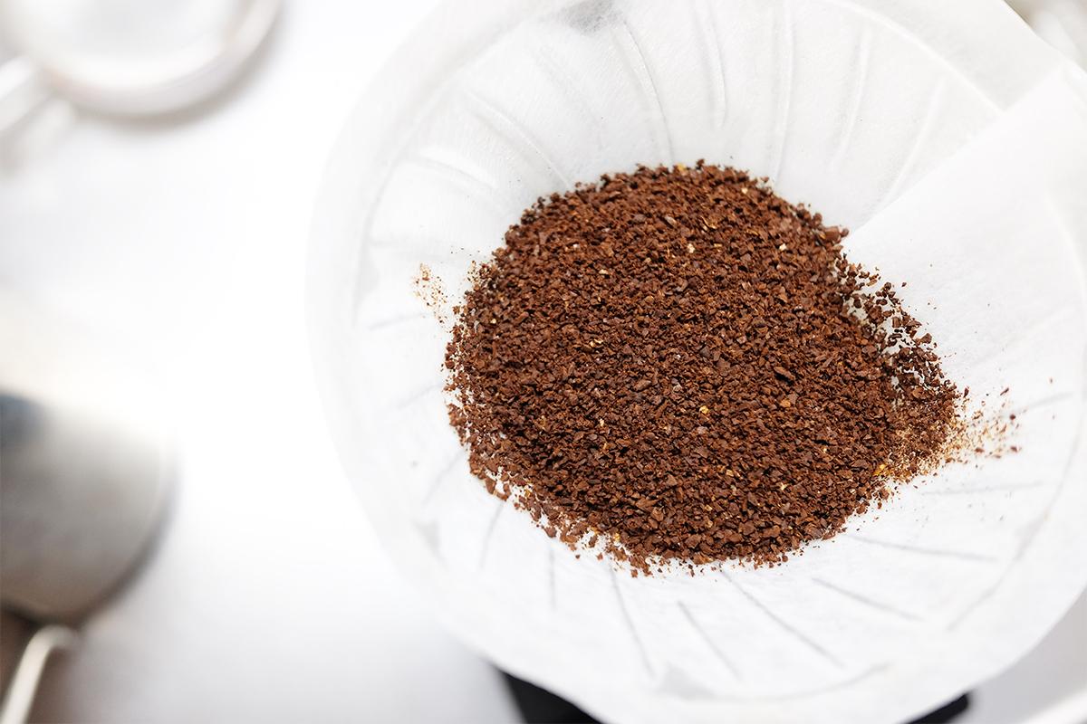炒めたコーヒー粉