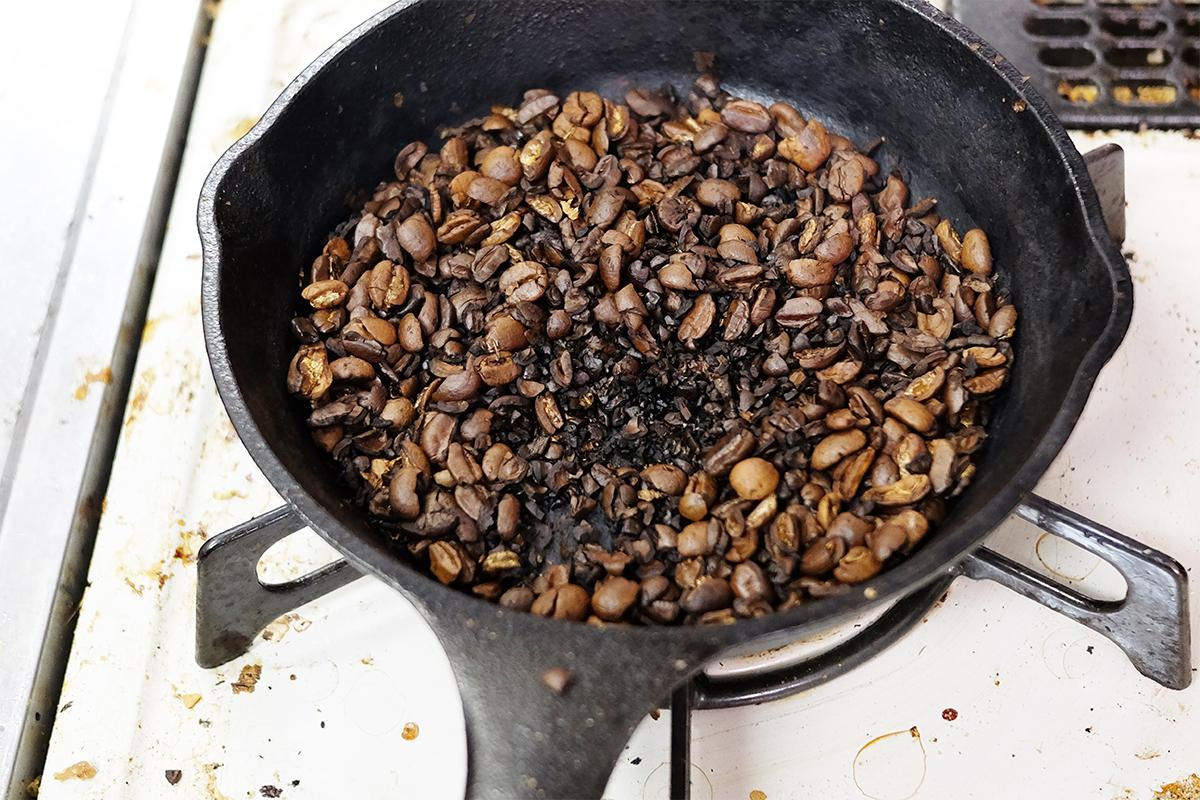 15分焙煎した粉砕したコーヒー豆