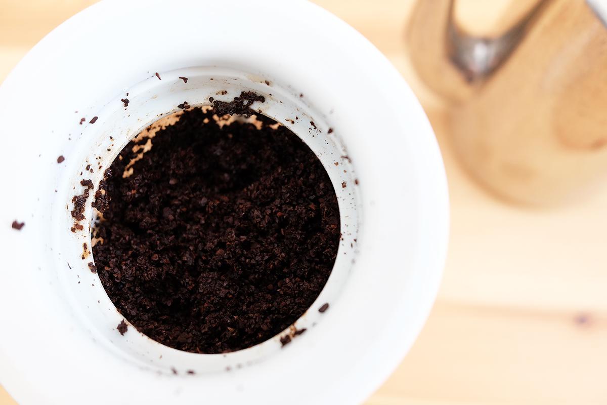 コーヒー粉が入ったWDD-5-PGR