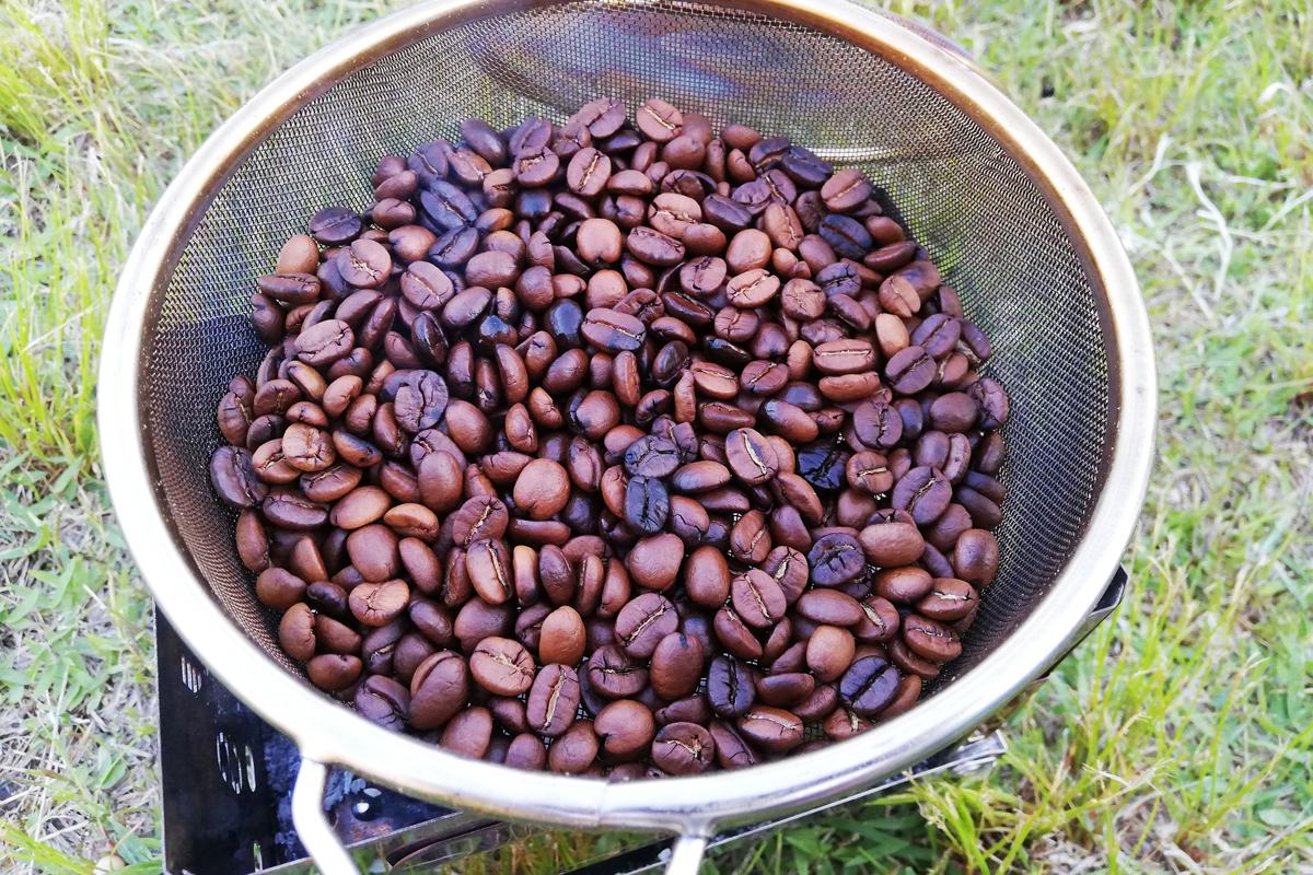 35分程度炭火で焙煎したコーヒー豆