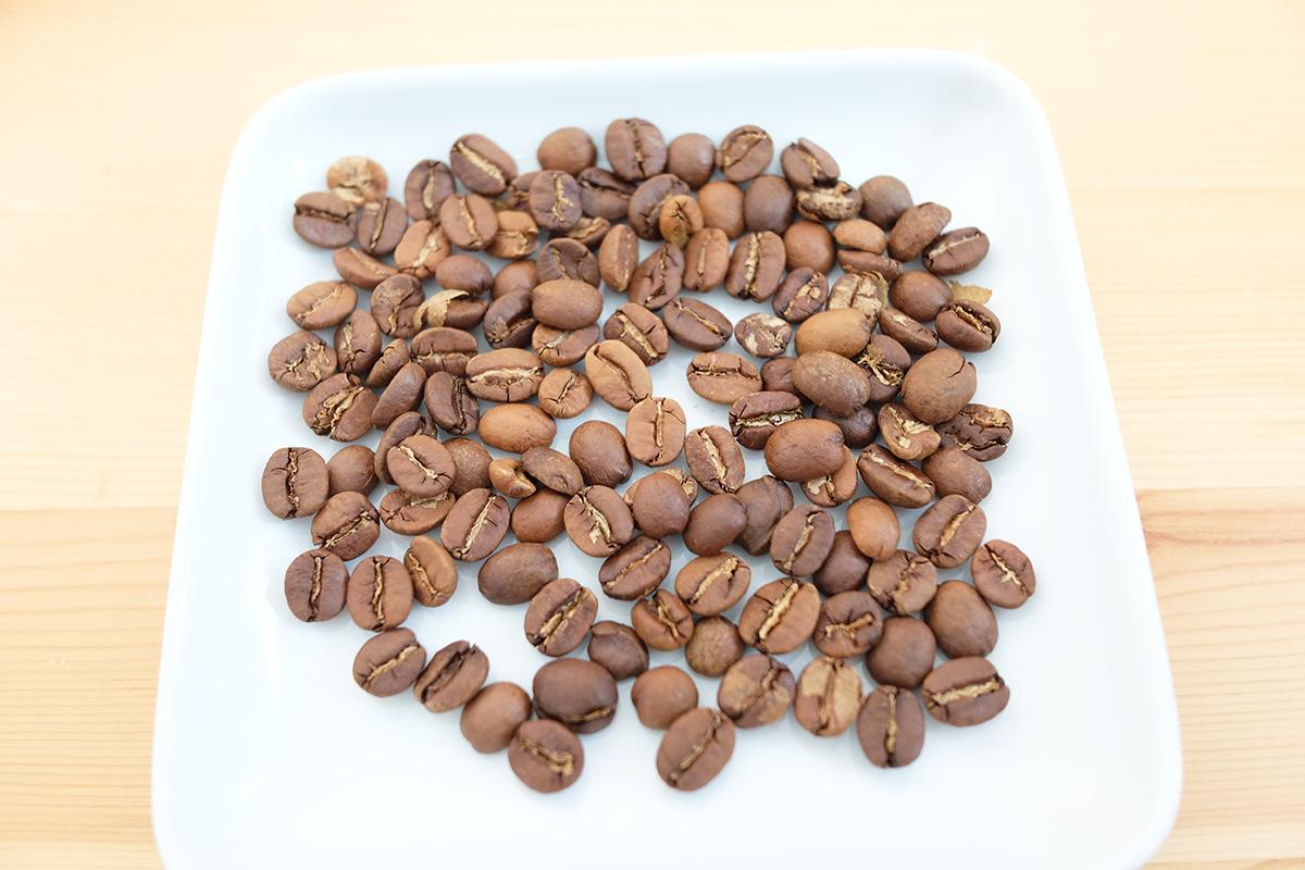 ノンフライヤーで焙煎したコーヒー豆