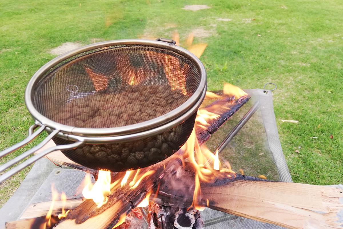 焚き火で15分焙煎したコーヒー