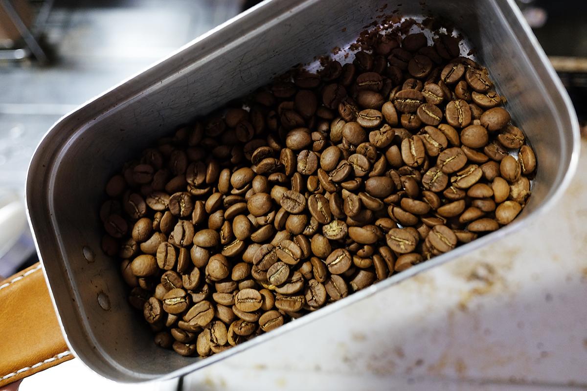 メスティンで20分焙煎したコーヒー豆